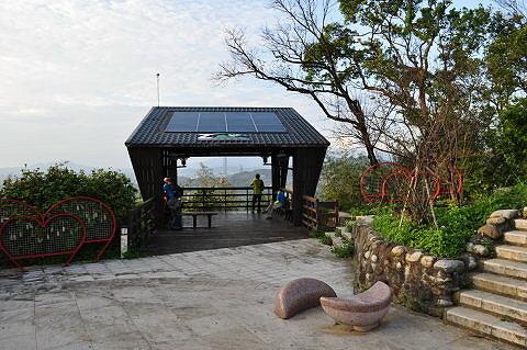 动物园山观景平台(绿能凉亭)